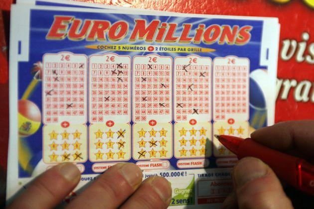 euromillion comment jouer en ligne, jouer à plusieurs à l'euromillion, jouer euromillion en ligne, euromillion comment savoir si on a gagné, comment jouer euromillion flash, grille euromillion 2021, my million, euromillion comment gagner