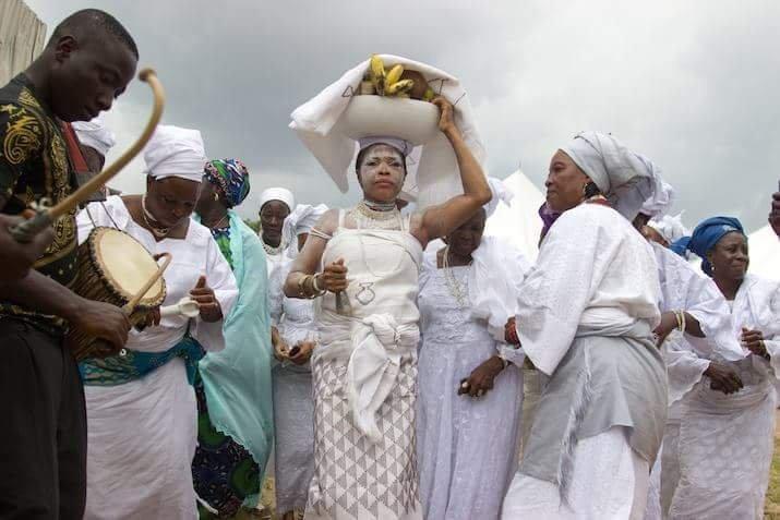 comment invoquer mami wata, la richesse avec mami wata, papa vaudou mami wata, parfum mystique mami wata, richesse mami wata, rituel africain mami wata, rituel avec cirène de mer pour devenir riche, rituel de richesse rapide
