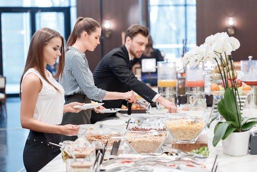 rites d'une entreprise exemple, rituel entreprise définition, exemples de rituels d'équipe, rituels managériaux, rituels d'entreprise, rituel exemple, rituels au travail, le bureau des rituels