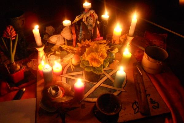 rituel pour attirer l'amour d'une personne, rituel d'amour avec une bougie blanche, rituel d'amour avec citron, rituel pour faire tomber quelqu'un amoureux,  magie blanche pour attirer un homme, rituel bougie blanche miel, rituel d'amour avec du sel, rituel d'amour avec du miel
